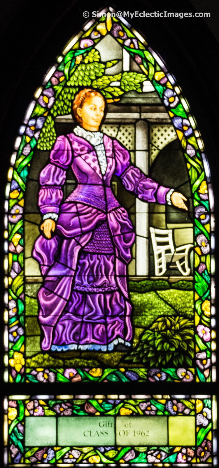 Commemorating-Olivia-Langdon-Clemens-in-stained-glass-in-chapel-of-Cowles-Hall-.jpg